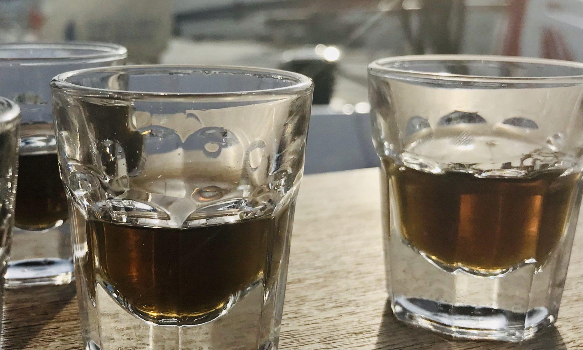 Black Hudson Geschenk mit Alkohol Werbegeschenk Freunde Essen Trinken Gesellschaft